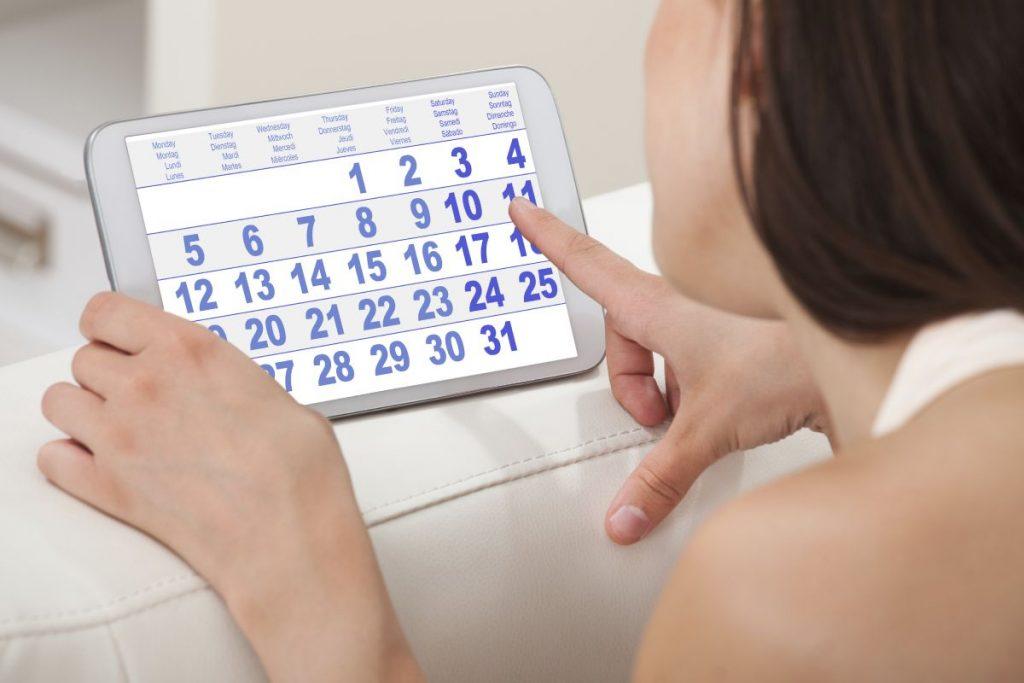 Pode-se observar vários sintomas na ovulação tardia.